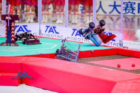 机器人羊城论剑 铁甲钢拳斗智斗勇(1)121.png